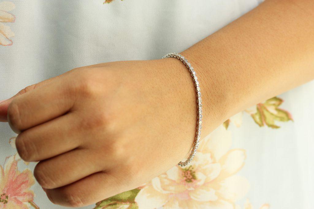 35c9811ec5dff How the Diamond Tennis Bracelet Got Its Name | SuperJeweler
