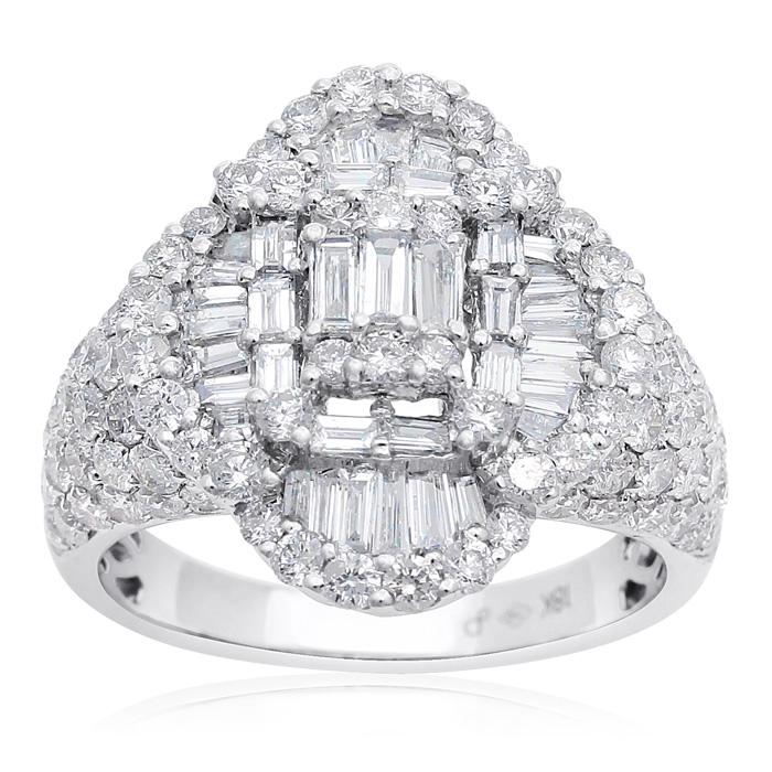 18 Karat White Gold 1 1/2 Carat Baguette and Round Diamond Ring