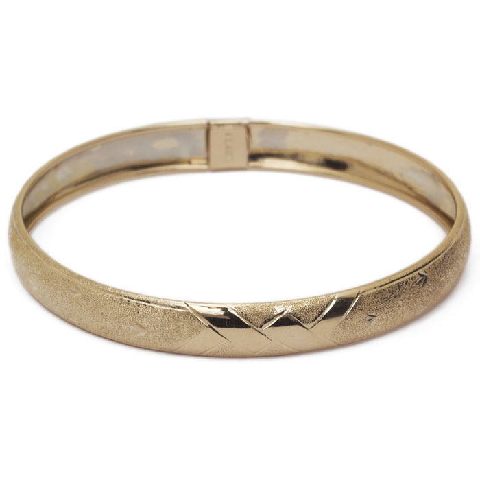 10K Yellow Gold Flexible Bangle Bracelet With Brushed and Polished Diamond C..